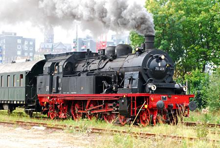 Dampflok 78 468 bei Ausfahrt aus Remscheid Hbf