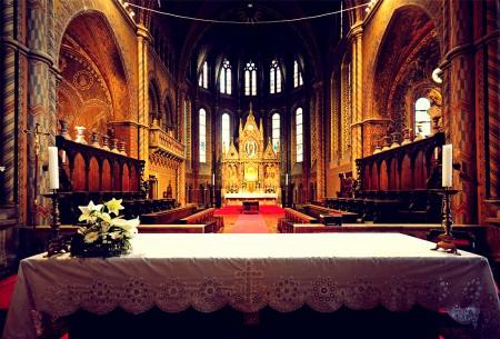 Matthiaskirche Budapest - christliche Bescheidenheit