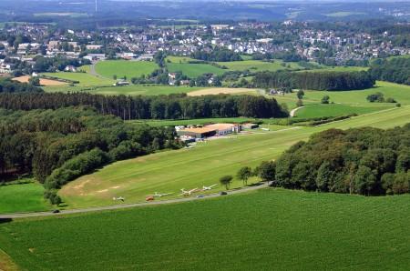 Luftbild Flugplatz Radevormwald Leye