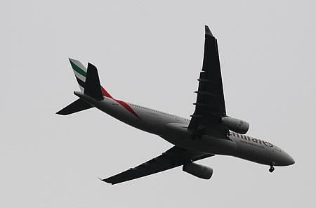 Emirates - im Landeanflug auf Düsseldorf