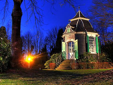 Historisches Gartenhäuschen Radevormwald im Parc de Châteaubriant.