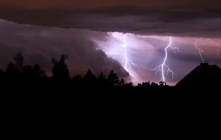 Gewitter Blitze - Erdblitz