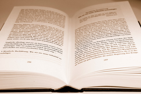Holzmedium Buch: Kurze Lebensdauer garantiert!?
