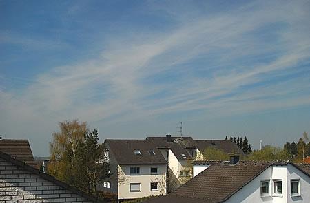 Kondenzstreifen in Radevormwald