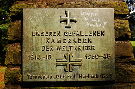 Kriegerdenkmal im Froweinpark Radevormwald