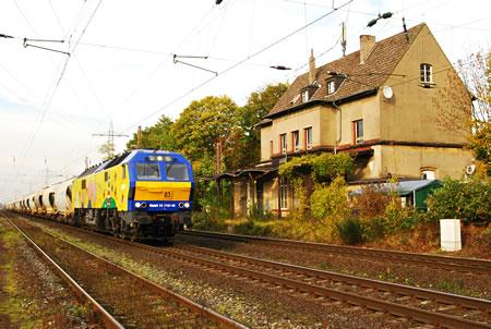 Güterzug Diesellok MaK DE 2700-03