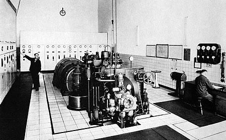 Die noch in den 50ern angeschaffte Dampfturbine - Strom für die Region
