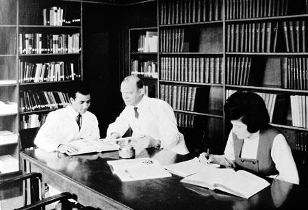 Papierfabrik Wilhelmstal - hauseigene Fachliteratur-Bibliothek