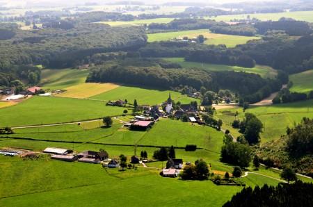 Kirche im Dorf - Luftbild Remlingrade