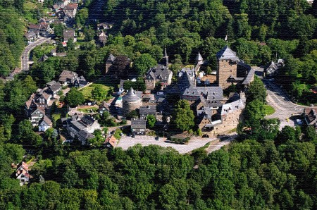 Luftbild Schloss Burg Solingen