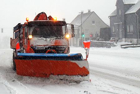 Winterdienst Radevormwald - Schneeräumer in Herbeck